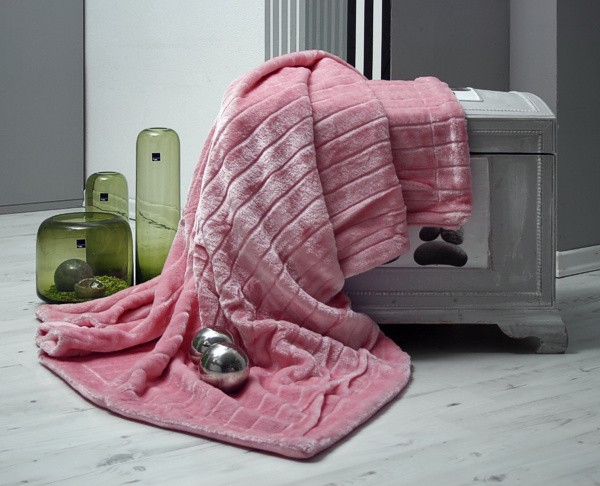 nerzdecke fellplaid plaid rosa tagesdecke 200x150cm ebay. Black Bedroom Furniture Sets. Home Design Ideas